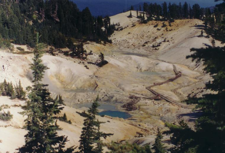 The small valley called Bumpass Hell