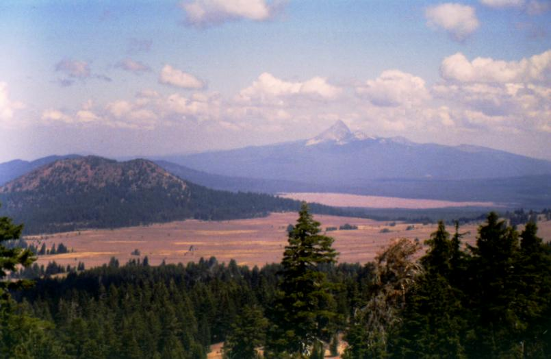 Mount Thielsen and valley vista